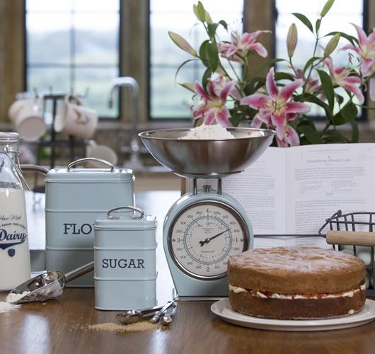 Kitchen Craft Living Nostalgia Vintage Bakeware Range